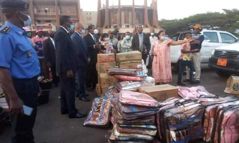 Cameroon's President Gives Aid to IDPs, Forgets Refugees inNigeria